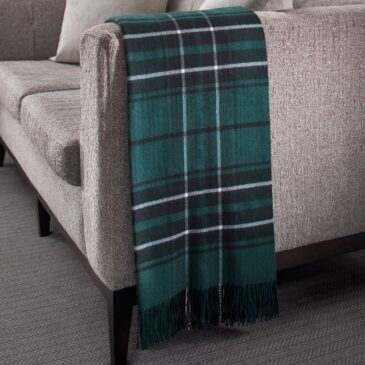 MacLean Hunting Tartan Lambswool Throw